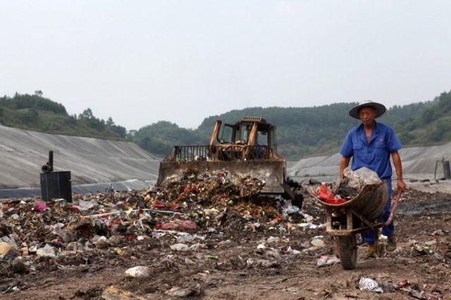 成都市绿康有机肥有限公司_厨余利用蚯蚓堆肥_成都市龙泉山垃圾填埋