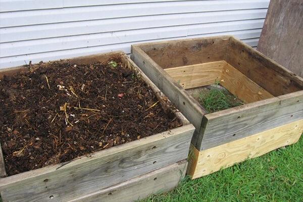 树叶和草的实践堆肥指南